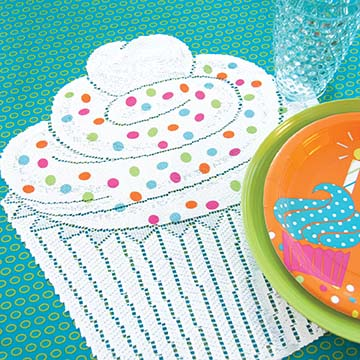 Cupcake Placemat with Sprinkles (set of 2) – Heritage Lace – Transitional Collection – CP1517W-0706