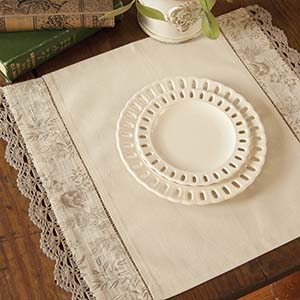 Bella Placemat (set of 2) &#8211; Heritage Lace Romantic Collection &#8211; BE-1419NA