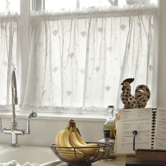 Bee Valance with Trim - Heritage Lace - Day in the Country Collection - 7165E-4515HT, 7165W-4515HT