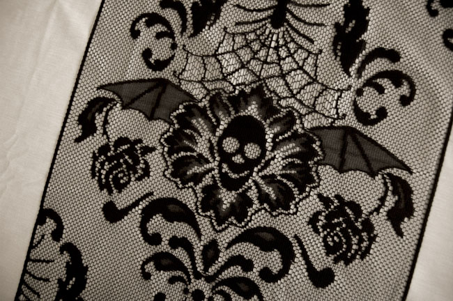 halloween damask 68 runner heritage lace halloween hwd 1568b - Halloween Lace Fabric