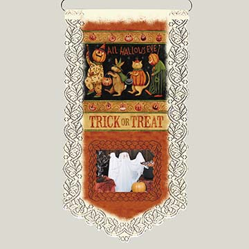 Halloween March - Heritage Lace Halloween Wall Hanging WH33E-0689