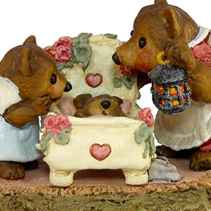BB6 Just a Peek  Wee Forest Folk Collectible  Bears