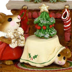 M-191 Christmas Eve - RETIRED Wee Forest Folk Collectible