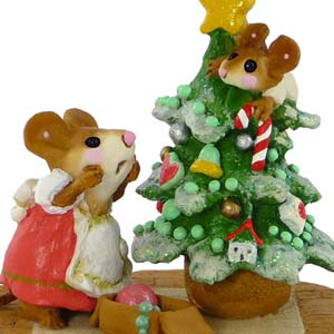 M-240 Scamper Raising Cane - Wee Forest Folk Christmas