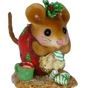 NM-1a Christmas Nibble Mouse &#8211; Wee Forest Folk Collectible