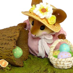 M-332 Egg Hunt &#8211; Easter Wee Forest Folk Collectible