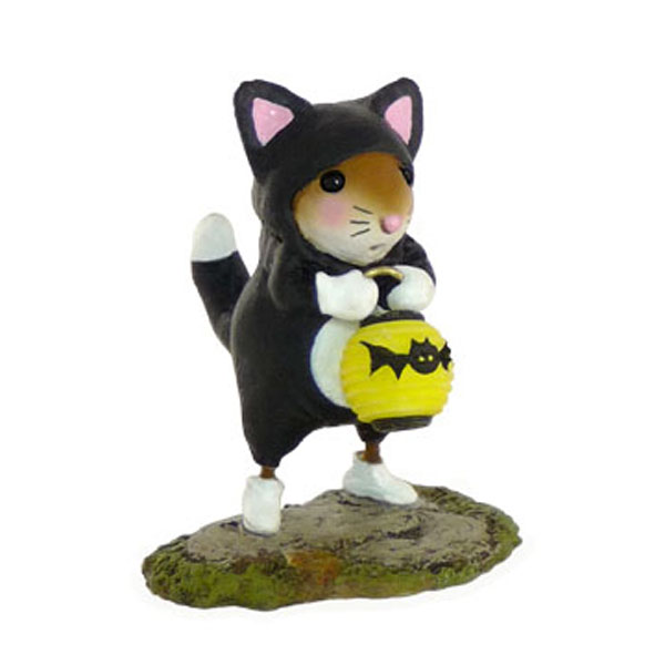 M-413 Prowling for Treats – Halloween Wee Forest Folk Collectible