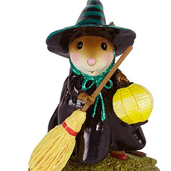 M-583 Little Witch with Lantern