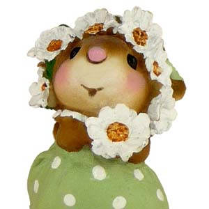 M396 Daisy Chain  Wee Forest Folk Collectible
