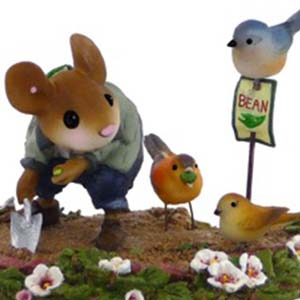 M-437 The Garden Bandits – Wee Forest Folk Collectible