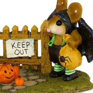 M-345 Little Halloween Bat w/ Pumpkins - RETIRED Wee Forest Folk Collectible