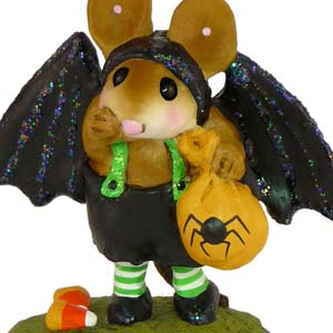 M-345a Little Halloween Bat - Halloween Wee Forest Folk Collectible