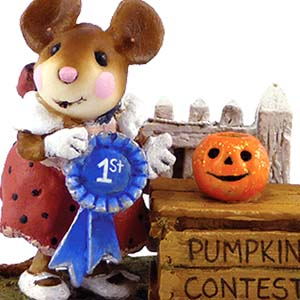 M-401 And the Winner is... - RETIRED Wee Forest Folk Collectible