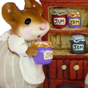 M-256 Jenny's Jams & Jellies - RETIRED Wee Forest Folk Collectible