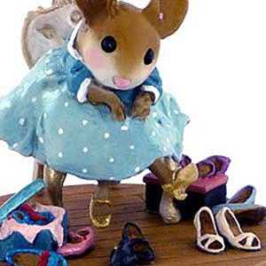 M-439 Fancy Footwear &#8211; Wee Forest Folk Collectible