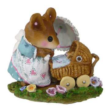 M-330d First Spring Outing – RETIRED Wee Forest Folk Collectible