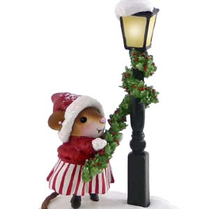 M-425 Trim Twirler &#8211; Wee Forest Folk Collectible