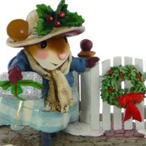 M-427 Holiday Arrival &#8211; RETIRED Wee Forest Folk Collectible