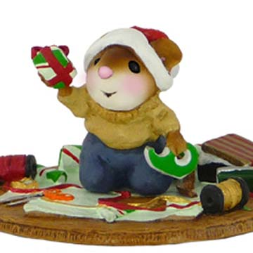 M-452 It's A Wrap - Wee Forest Folk Collectible