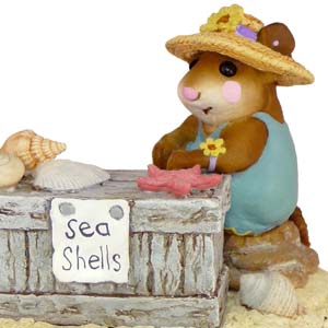 M-235 Shelley - On The Beach Wee Forest Folk Collectible