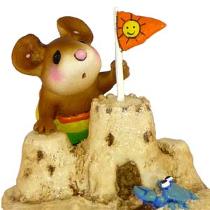 M-349 Sandy's Castle – On The Beach Wee Forest Folk Collectible – On The Beach