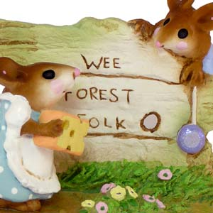M-239 Scamper - RETIRED Wee Forest Folk Collectible