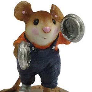 MP-05 Mouse Parade Pot Lid Lad  RETIRED Wee Forest Folk Collectible
