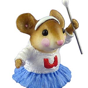 MP-06 Mouse Parade Majorette  RETIRED Wee Forest Folk Collectible