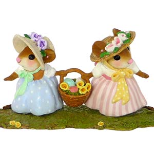 M-458 This Way or That Way? – Easter Wee Forest Folk Collectible