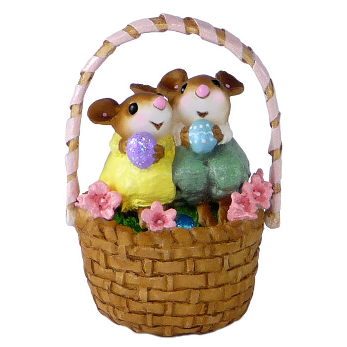 M-523 Cozy Easter Couple – RETIRED
