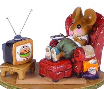 M-527 Little Couch Potato