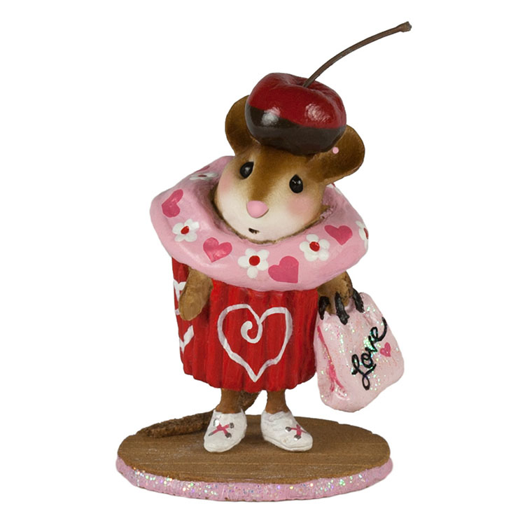 M-574e Valentine Cupcake Treat – LIMITED