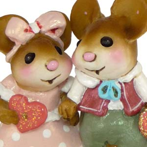 M-331 Young Love  Wee Forest Folk Collectible