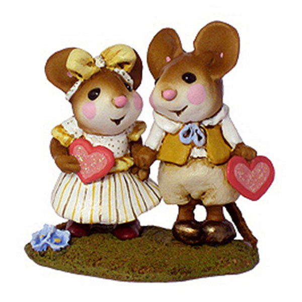 M-331 Young Love - Wee Forest Folk Collectible - Valentine's Day