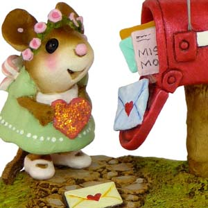 M-383a Cupid&#8217;s Special Delivery &#8211; Wee Forest Folk Collectible