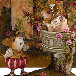 M-411 Romeo &#038; Juliet with backdrop BKG-3 (set) &#8211; Wee Forest Folk Collectible