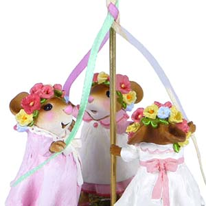 M-482 May Day Merriment - Wee Forest Folk Collectible