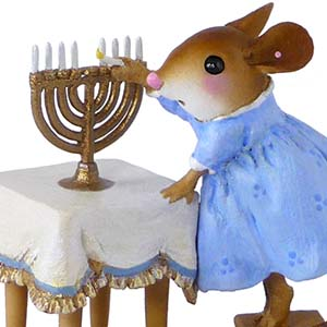 M-519 Lighting the Menorah – HANUKKAH